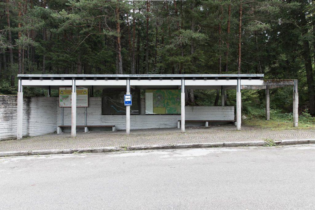 Pensilina attesa BUS del Villaggio Eni di Borca di Cadore