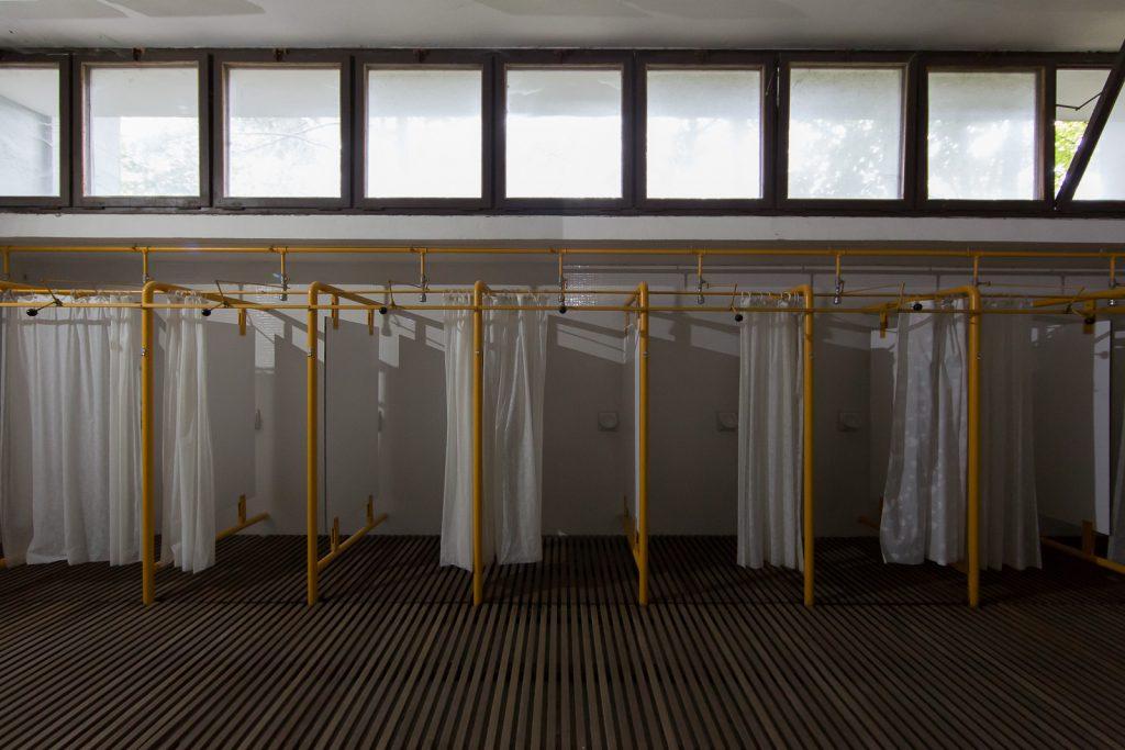 locali docce della colonia del Villaggio Eni di Borca di Cadore