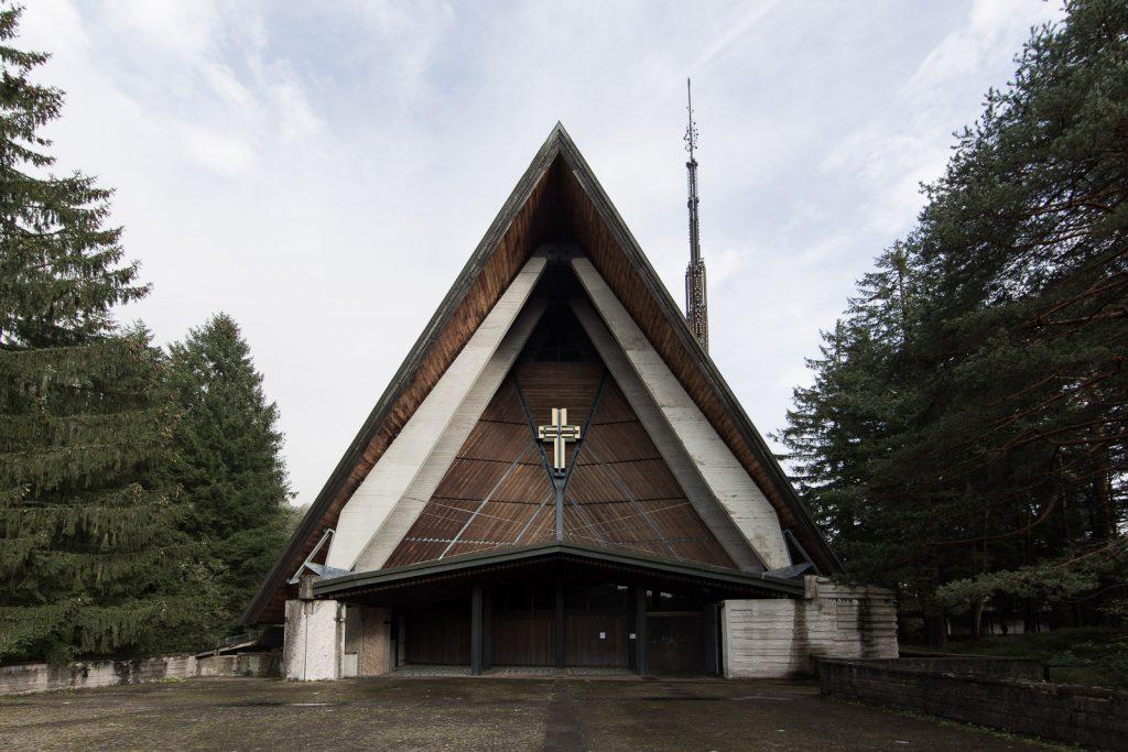 la chiesa di Nostra Signora delle Dolomiti