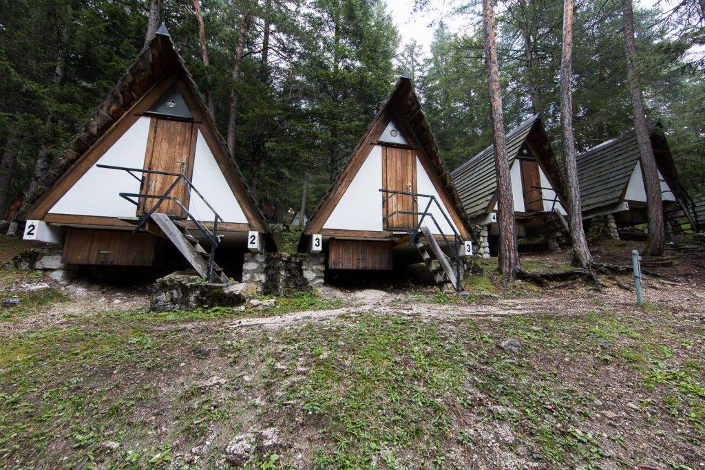 le tende di legno del Villaggio Eni di Borca di Cadore