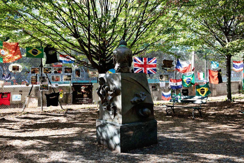 il monumento in ricordo di Ayrton Senna