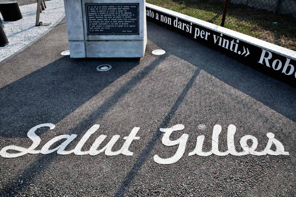 Il monumento a Gilles Villeneuve