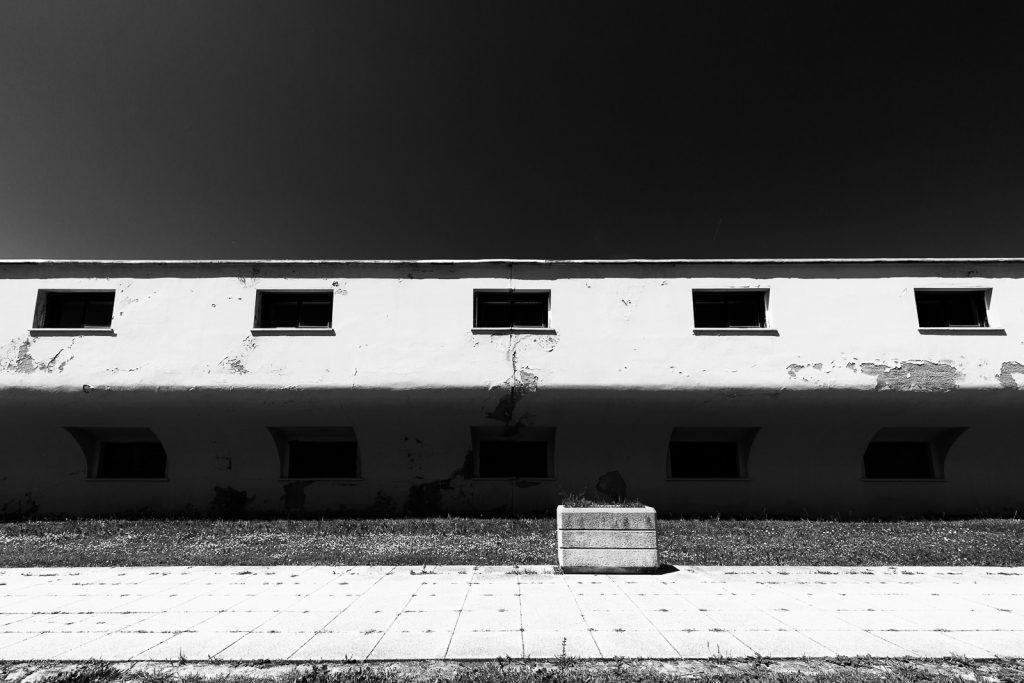 Colonia XXVIII Ottobre - Cattolica (RN) | Dettaglio finestre padiglione dormitoi © 2016