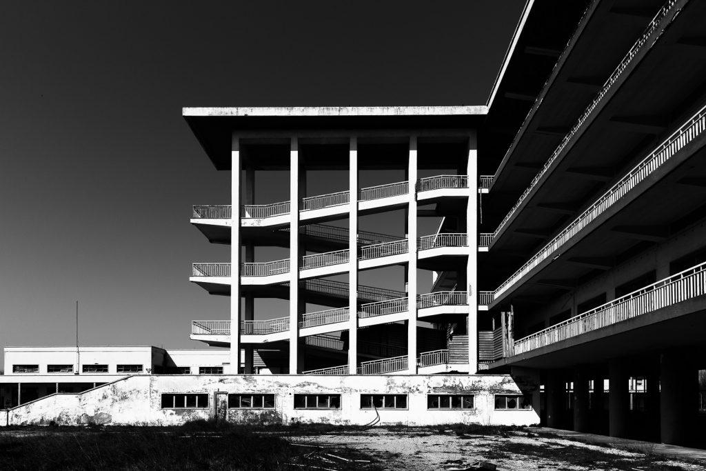 Colonia Monopoli di Stato - Milano Marittima (RA) | Vista laterale rampa delle scale © 2016