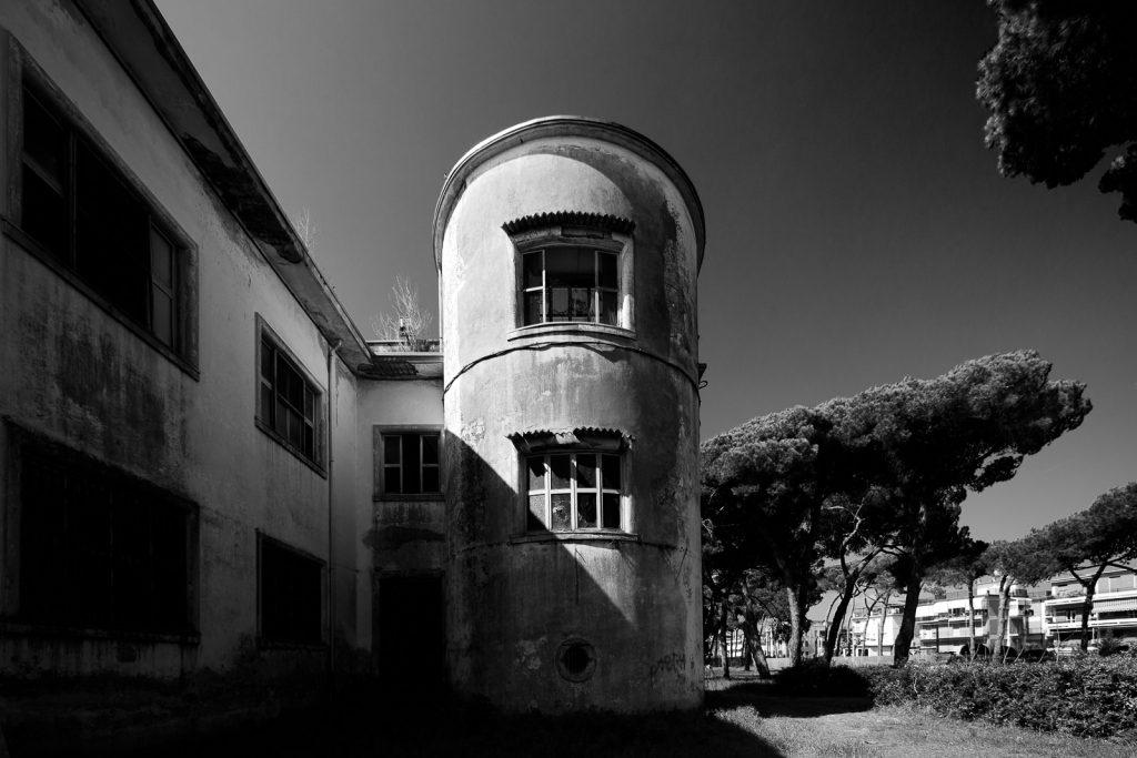 Colonia IX Maggio - Marinella di Sarzana (SP) | Dettaglio torre © 2017