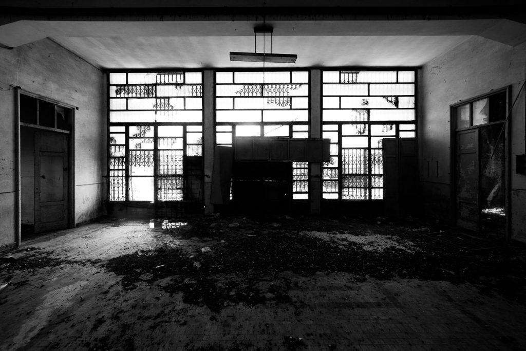 Colonia IX Maggio - Marinella di Sarzana (SP) | Atrio Struttura Principale © 2017
