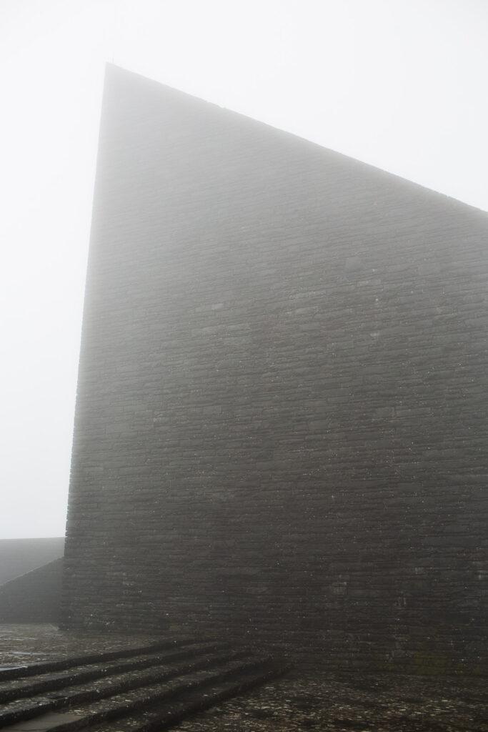 La vela apiclae del cimitero militare germanico del Passo della Futa